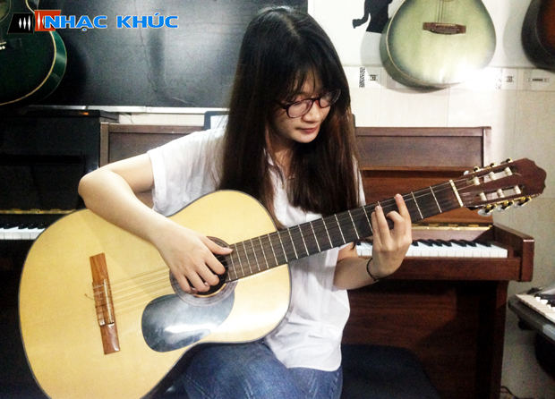 Học đàn guitar nhackhuc.com